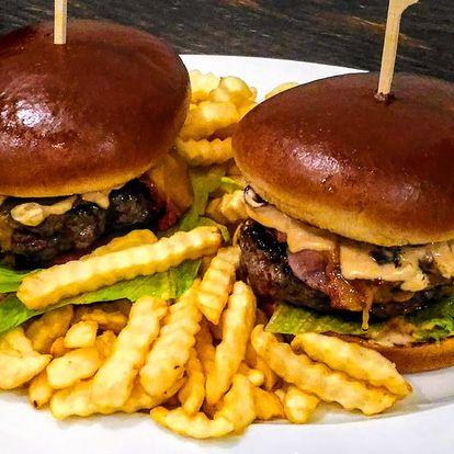 Burger s hovězím masem a sýrem Cheddar pro 2