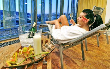 Víkend v luxusním 4* hotelu se střešním wellness