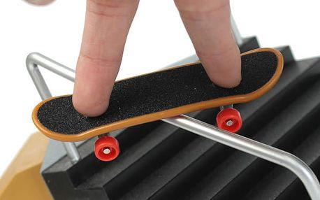 Prstový mini skateboard