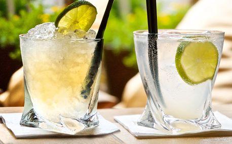 2 míchané drinky v kavárně u náměstí Svobody