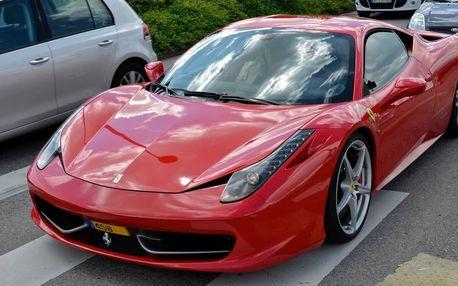 Jízda ve Ferrari 458 Italia v Hradci Králové
