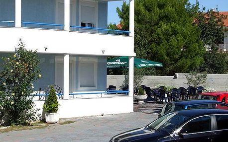 Chorvatsko - Vodice na 8 až 10 dní, polopenze nebo bez stravy s dopravou autobusem nebo vlastní 300 m od pláže