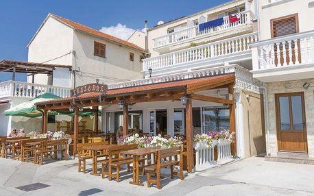 Chorvatsko - Severní Dalmácie na 10 dní, plná penze nebo polopenze s dopravou autobusem 30 m od pláže