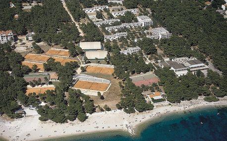 Chorvatsko - Makarská riviéra na 8 až 14 dní, polopenze s dopravou autobusem, vlastní nebo letecky z Ostravy 50 m od pláže