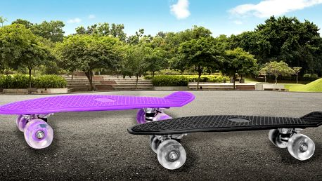 Skateboard se svítícími kolečky: 8 odstínů