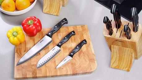 Krájecí prkénka a sady kuchyňských nožů