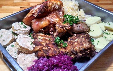 Pekáč plný masa pro 2-3 os. v centru města
