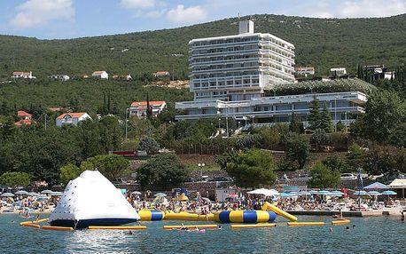 Chorvatsko - Crikvenica na 10 dní, polopenze s dopravou autobusem 250 m od pláže