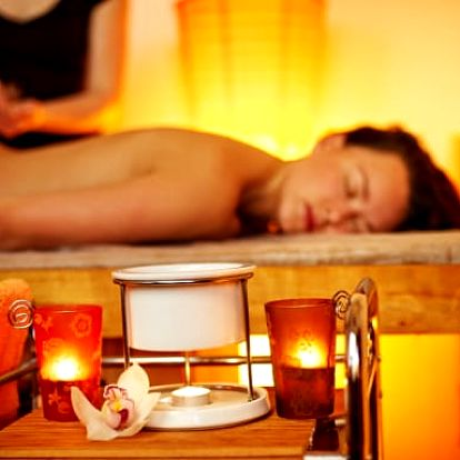 Indická Ayurvédská masáž s léčivými bylinnými oleji na Praze 1
