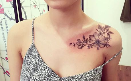 Tetování o rozměru 10 × 10 cm nebo úprava stávajícího