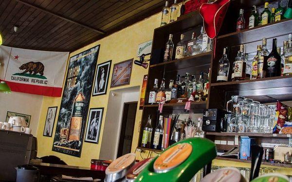 Hollywood restaurace a bar