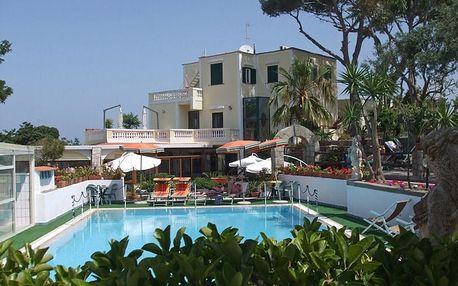 Itálie - Ischia na 8 dní, snídaně s dopravou letecky z Prahy 200 m od pláže