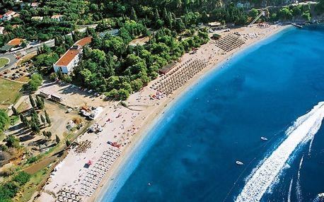 Černá Hora - Budva na 8 až 10 dní, polopenze s dopravou autobusem nebo letecky z Prahy 50 m od pláže