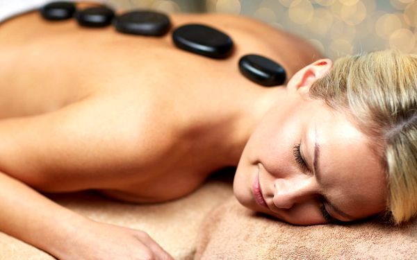 Breussova masáž s třezalkovým zábalem