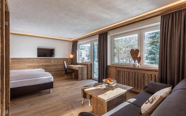 Malý dvoulůžkový pokoj s manželskou postelí (18 m²)3