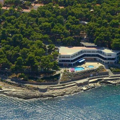 Chorvatsko - Hvar na 8 až 10 dní, light all inclusive nebo polopenze s dopravou autobusem nebo vlastní 50 m od pláže