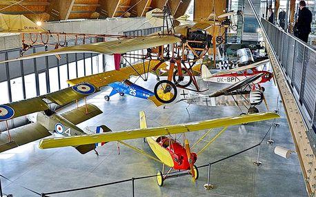 Vstup do leteckého muzea a na simulátor