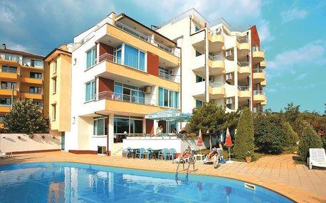 Bulharsko - Slunečné Pobřeží na 8 dní, polopenze nebo snídaně s dopravou Bratislavy nebo letecky z Prahy 350 m od pláže
