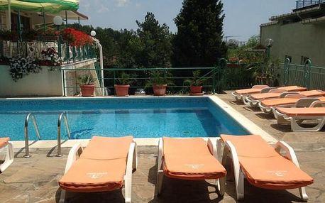 Bulharsko - Slunečné Pobřeží na 8 dní, snídaně s dopravou letecky z Ostravy nebo Prahy 350 m od pláže