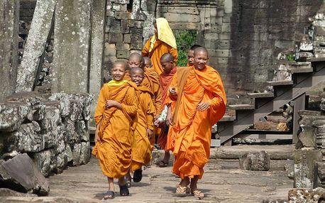 Angkor Wat a koupání v Kambodži