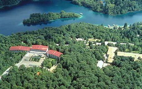 Chorvatsko - Plitvická jezera na 2 dny, snídaně s dopravou vlastní 300 m od pláže