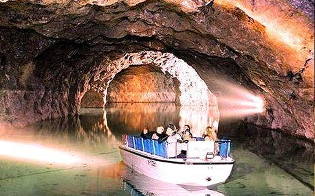 Jednodenní zájezd pro 1 osobu, Rakousko - zámek Franzesburg, sádrový důl Seegrotte.