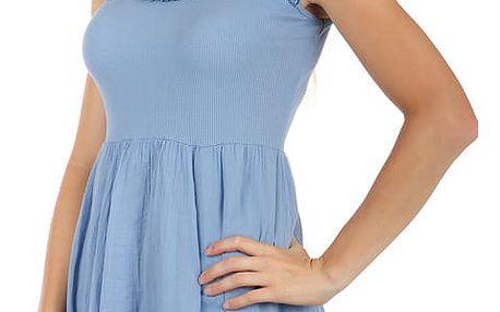Světle modré šaty s krajkou na zádech světle modrá
