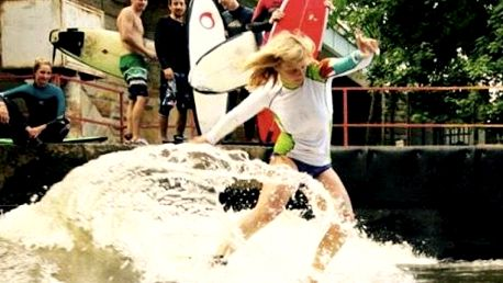 Surfing na řece