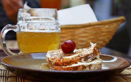 Hermelín a utopenec s chlebem i pivem pro 1 ve Švejk Restaurantu Strašnice v Praze