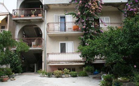Chorvatsko - Makarska na 10 až 17 dní, polopenze s dopravou autobusem 250 m od pláže