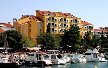 Chorvatsko - Kvarner na 10 dní, polopenze s dopravou autobusem 50 m od pláže