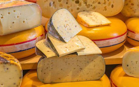 Sýrový talíř či mix sýrů a francouzská uzenina