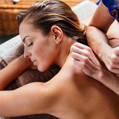 Uvolňující masáž zad, šíje či Breussova masáž