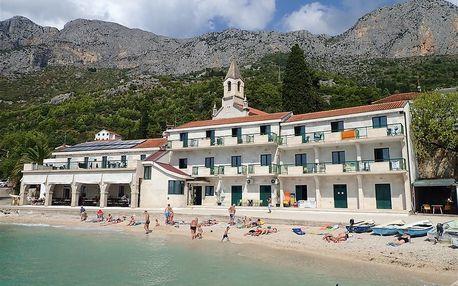 Chorvatsko - Střední Dalmácie na 8 až 10 dní, polopenze s dopravou autobusem nebo letecky z Prahy 20 m od pláže