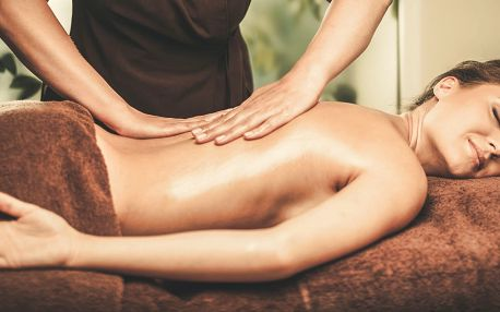 Masáž proti bolesti nebo masáž proti celulitidě