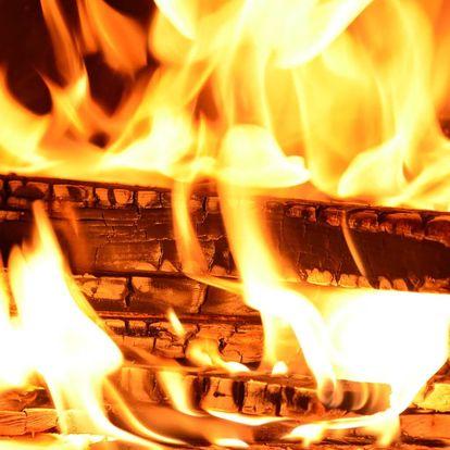 Firewalking – chůze po žhavém uhlí pro 3 osoby