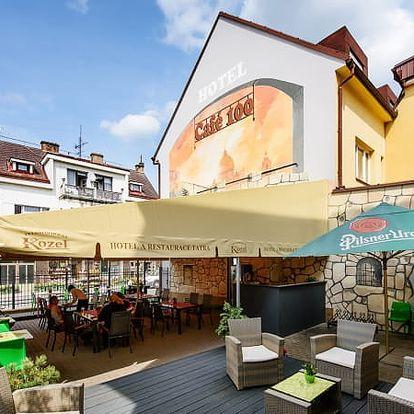Pobyt pro dva v 3*hotelu Tatra s polopenzí a wellness, káva s domácím štrůdlem, whirlpool a sauna.
