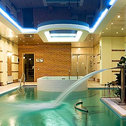 Velký Meder, Hotel Orchidea se vstupem na termální koupaliště a polopenzí