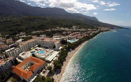 Chorvatsko - Tučepi na 10 dní, plná penze nebo polopenze s dopravou autobusem 30 m od pláže