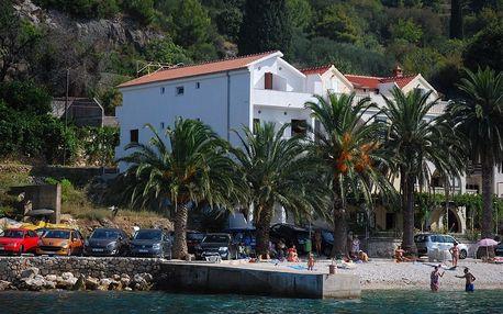 Chorvatsko - Makarská riviéra na 10 až 17 dní, polopenze s dopravou autobusem 50 m od pláže