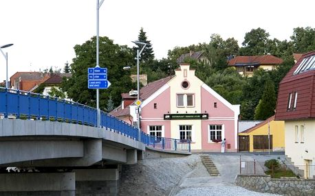 Hluboká nad Vltavou: Restaurant Pension L-Club