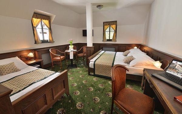 Dvoulůžkový pokoj s manželskou postelí - Vedlejší budova4