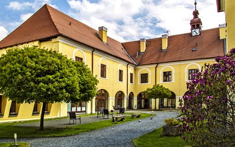 Pobyt na zámku s gastronomií a neomezenými nápoji