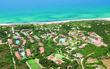 Itálie - Sardinie / Sardegna na 8 až 15 dní, polopenze s nápoji s dopravou letecky z Prahy přímo na pláži