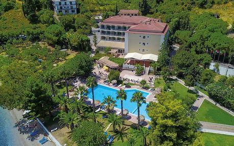 Řecko - Korfu na 8 až 12 dní, light all inclusive s dopravou letecky z Prahy 150 m od pláže