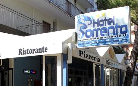Itálie - Lido di Jesolo na 10 dní, polopenze s dopravou autobusem 30 m od pláže