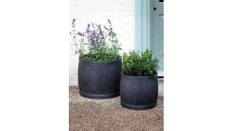 Garden Trading Černý zahradní květináč Fibre Clay Menší, černá barva 39cmx36cm