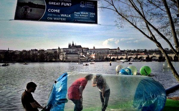 Waterzorbing Prague