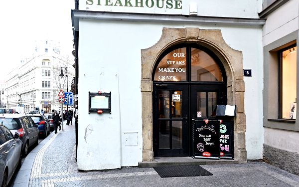 Steakhouse Crazy Cow