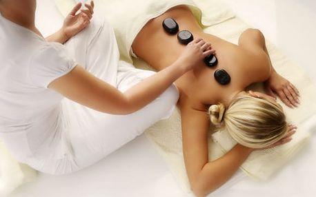 Klasická masáž zad a šíje či olejová masáž s lávovými kameny